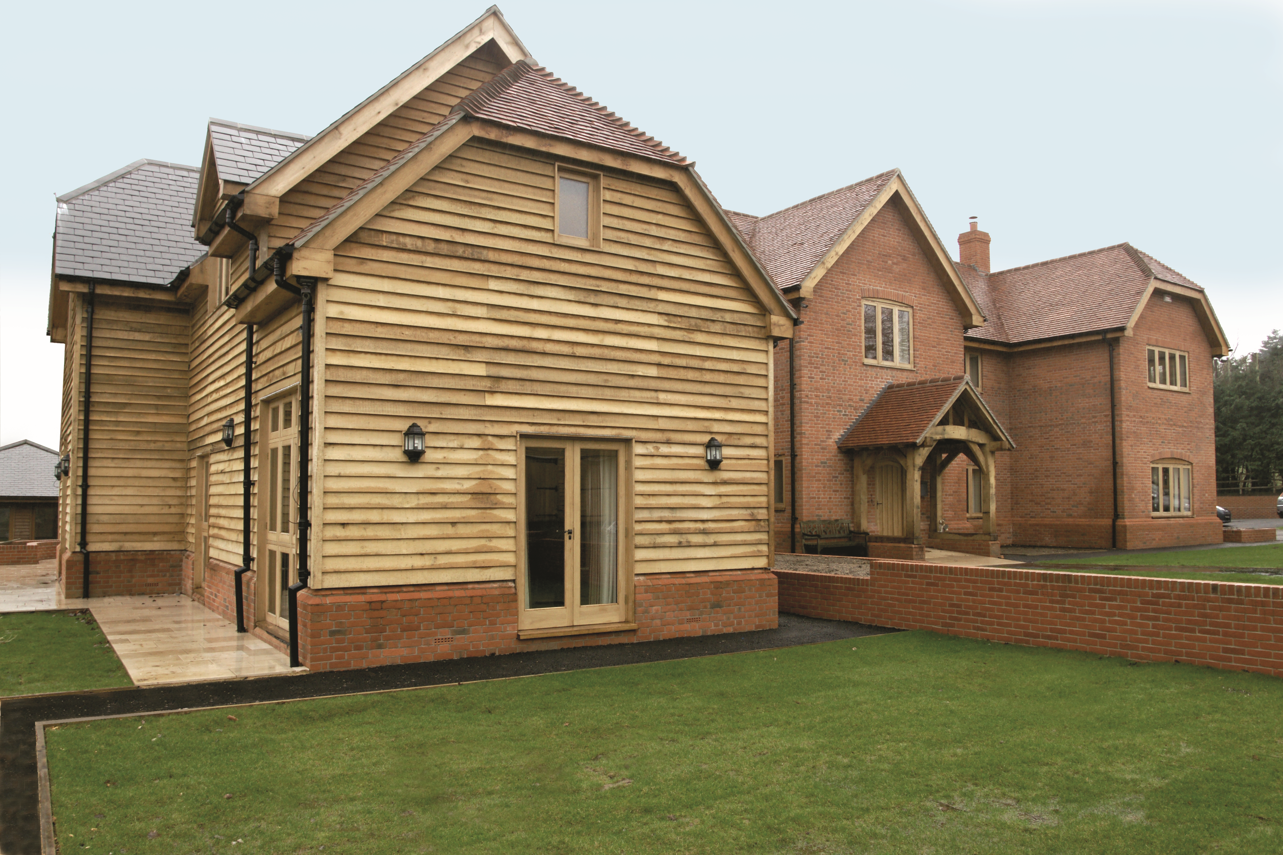 Oak feather edge cladding